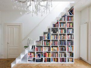escada com nicho 16 300x225 Como aproveitar o espaço debaixo da escada ideia decoracao escada decoracao em escadas  ideia decoracao destaque ideias de decoracao em ambientes diversos