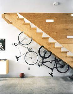 storage ideas under stairs in hallway7 232x300 Como aproveitar o espaço debaixo da escada ideia decoracao escada decoracao em escadas  ideia decoracao destaque ideias de decoracao em ambientes diversos